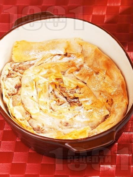 Постна ябълкова вита баница с орехи и канела - снимка на рецептата